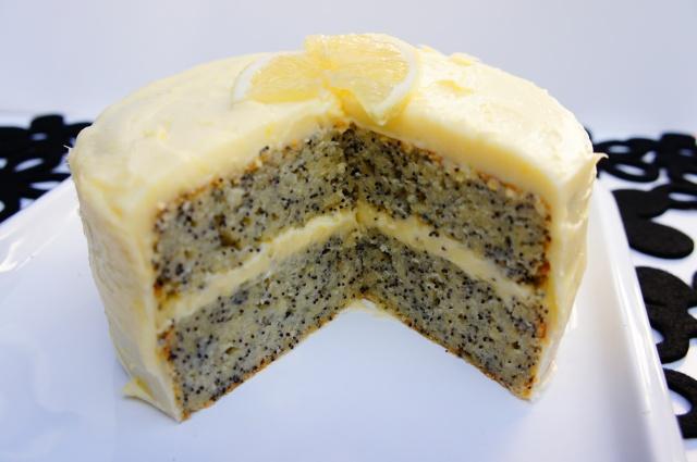 Lemon and Poppyseed Cake